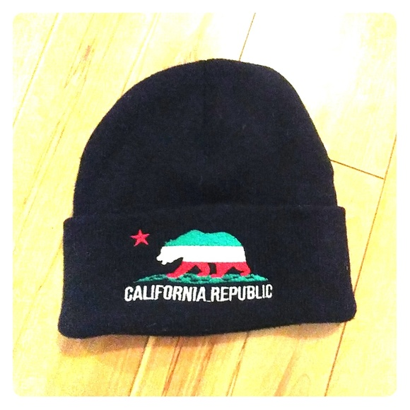 4b2d449f California Republic beanie black green red white
